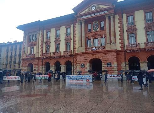 Pentsiodunek Toledoko Itunaren murrizketen kontrako manifestazioa egin dute