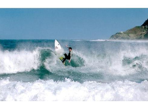 DBHko ikasleentzat surf ikastaroa antolatu du Udalak udarako