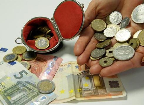Martitzena izan zen azken eguna euroak pezetengatik aldatzeko