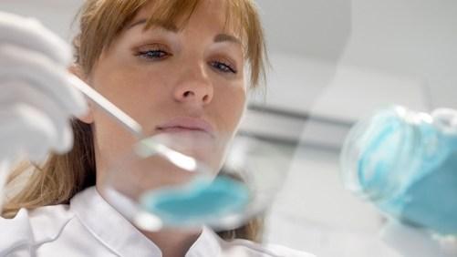 Формулиране на грижа за кожата и прецизен подбор на съставки