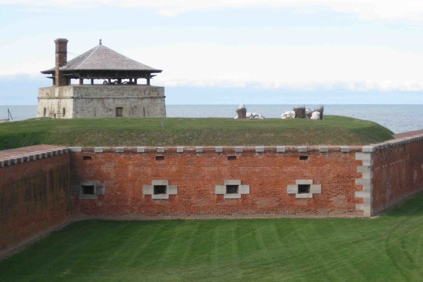 old fort niagara on the seaside trail