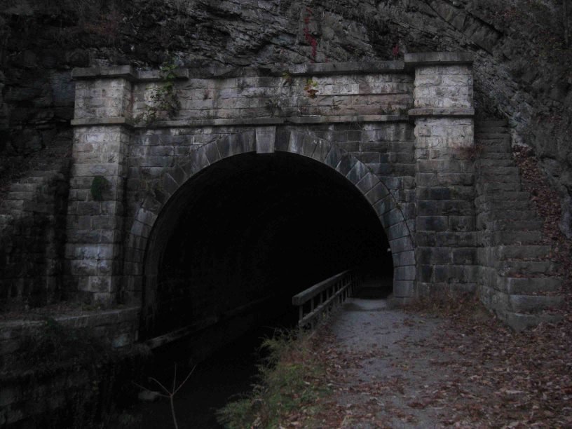 the paw paw tunnel in maryland
