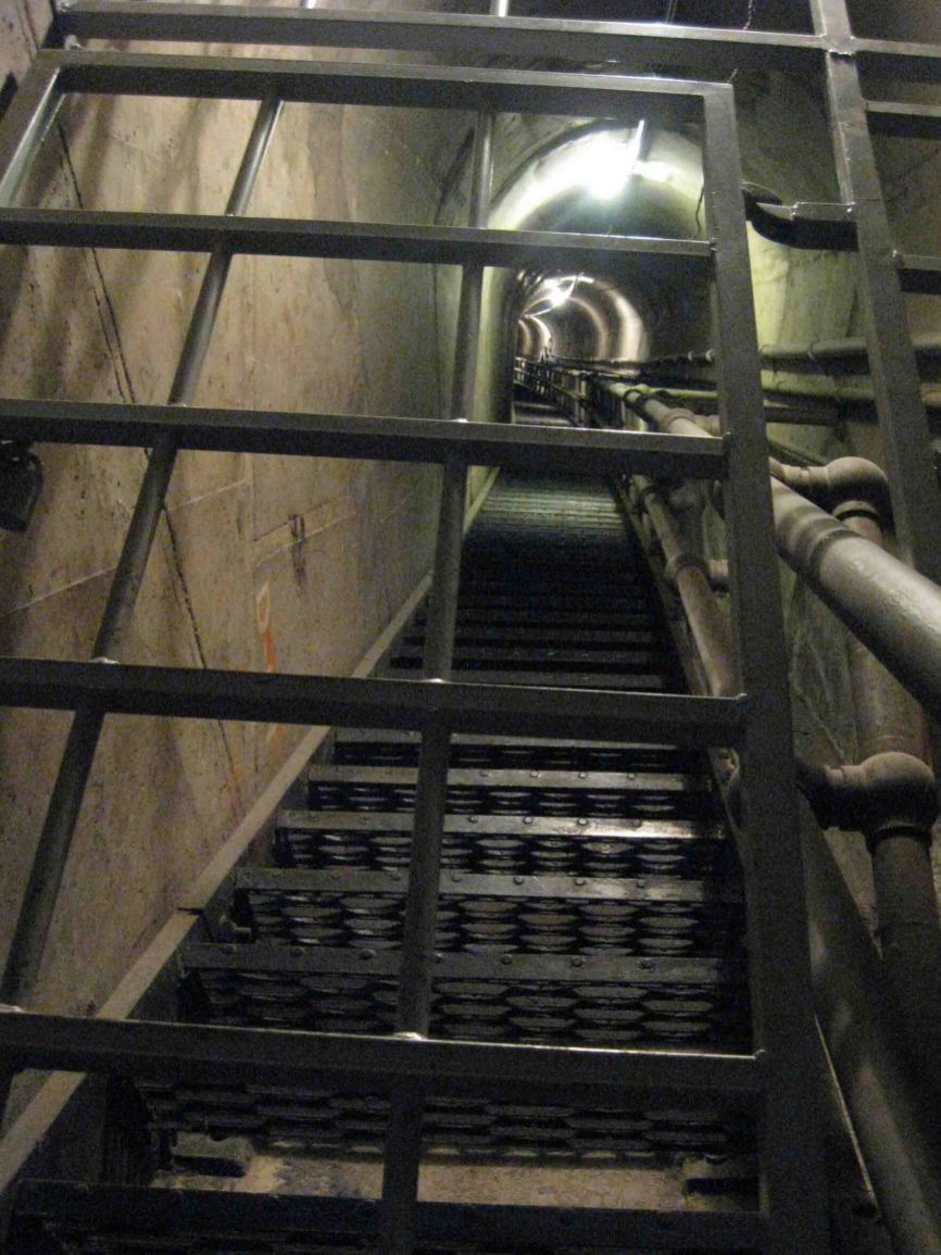 IMG_1089 stairwell