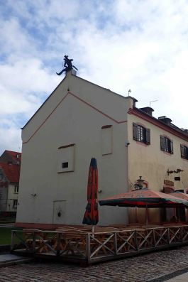 roof top statue