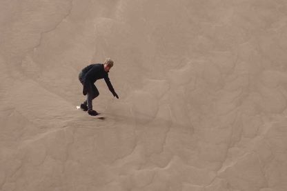 sandboarding great sand dunes