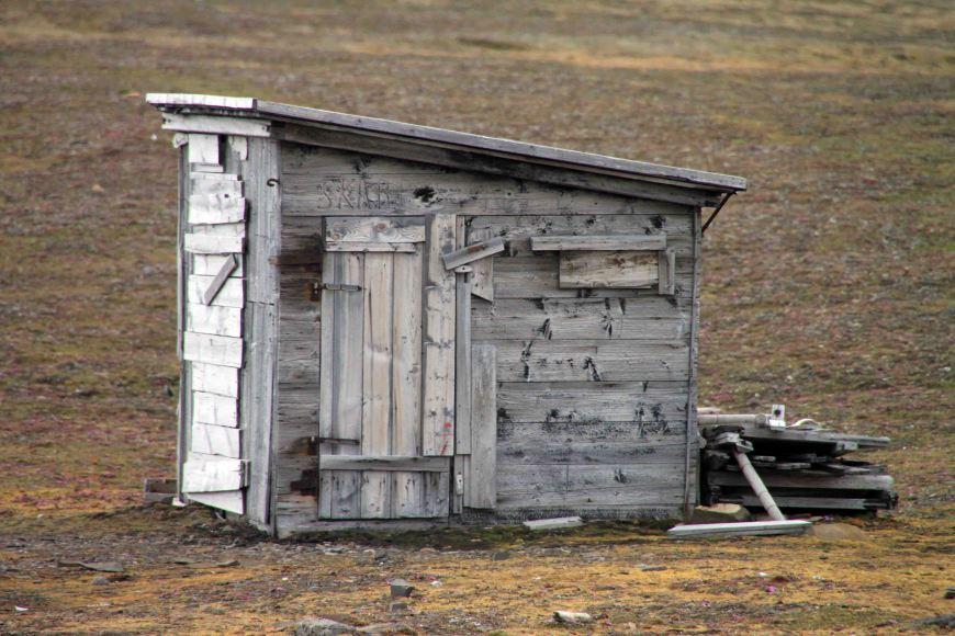 shack in southwest spitsbergen