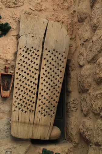 shutter at Haret Jdoudna