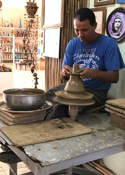 20170210_200743266_ios-pottery