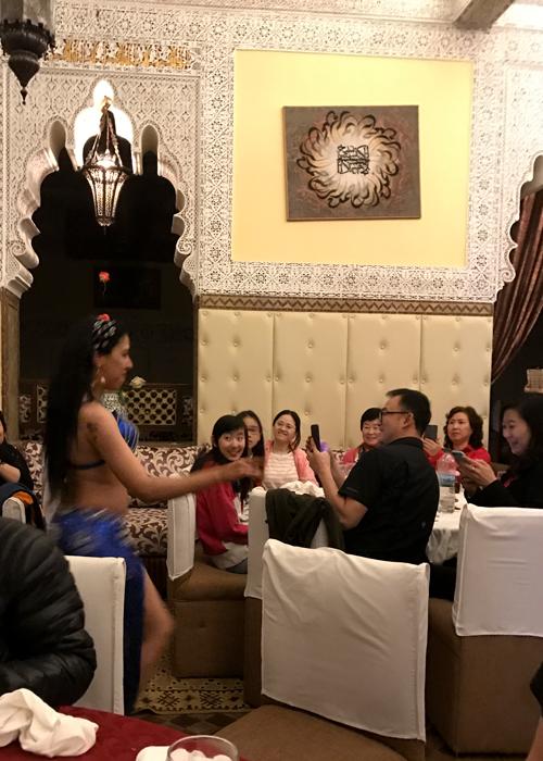 belly dancing at Ksar El Hamra