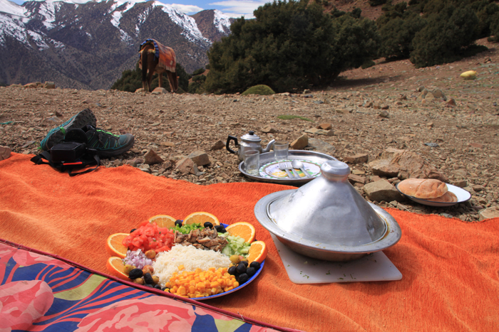 lunch on tizi mzik summit