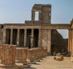 adventuresofacouchsurferpompeiiIMG_5471-5471