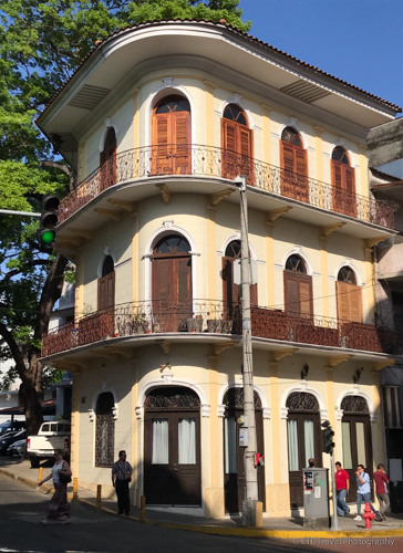 Donde José Building