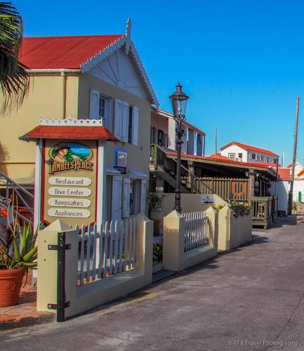 Mainstreet in windwardside