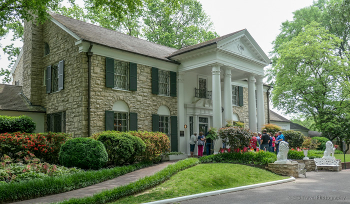Graceland mansion