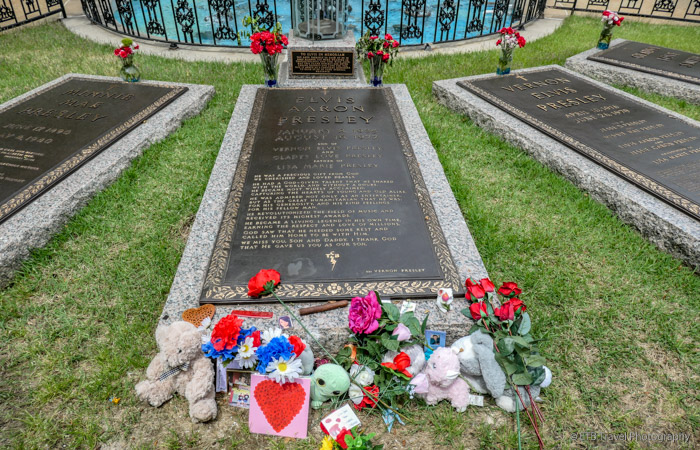 cemetery at graceland