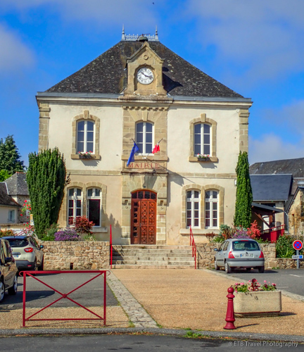 town hall in Lagrauliere, France