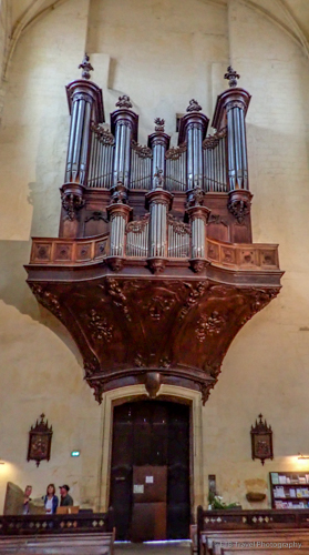 organ inside Cathédrale St-Sacerdos