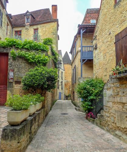 Rue Jean-Jacques Rousseau in sarlat