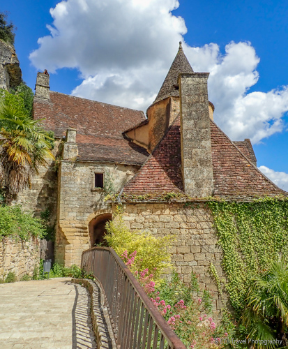 streets of La Roque-Gageac in the dordogne valley