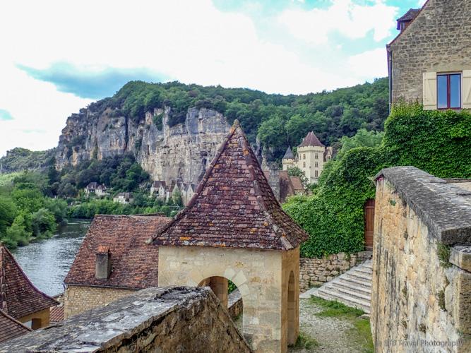 rooftops above dordogne valley
