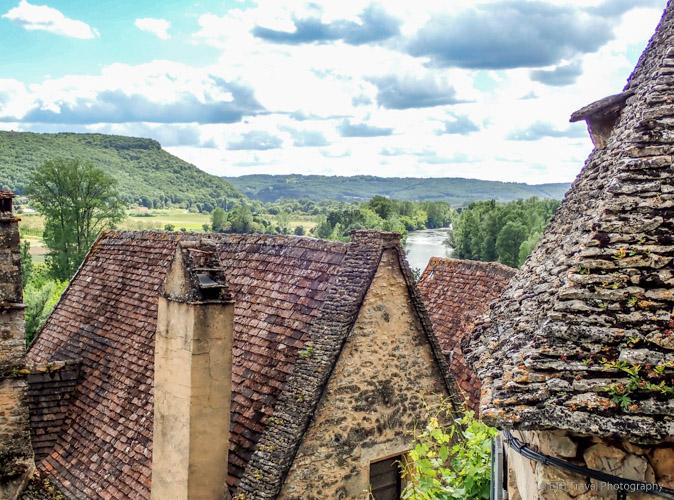 rooftops in beynac