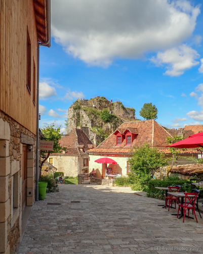 st cirq lapopie in lot river valley