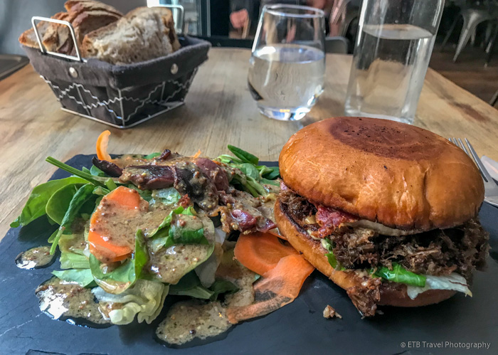 duck burger in Paris