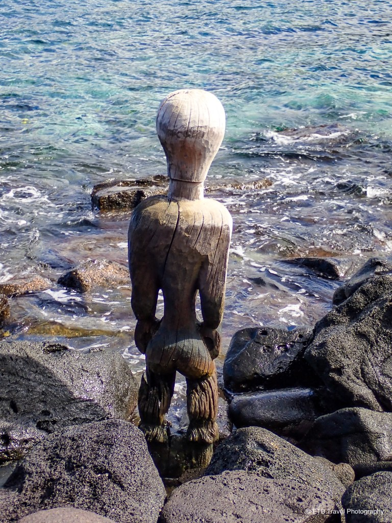 Wooden image at pu'uhonau o honaunau on the Kona coast