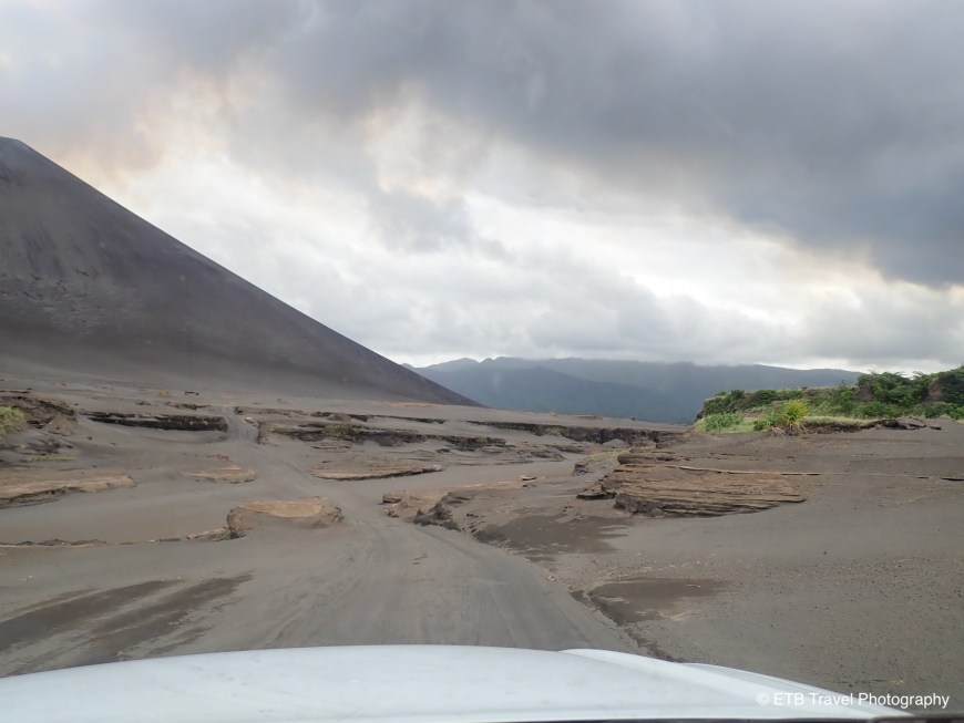 The cross island drive in Tanna