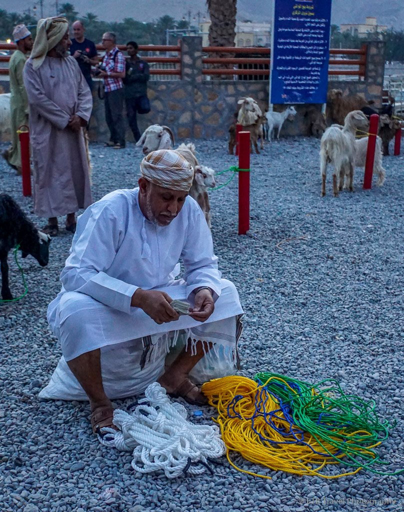 the rope guy at nizwa goat market