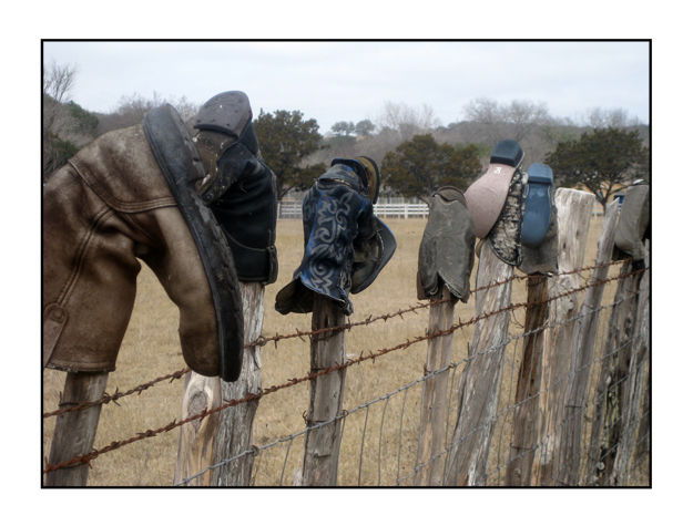 photographic note card, cowboy boots on fence