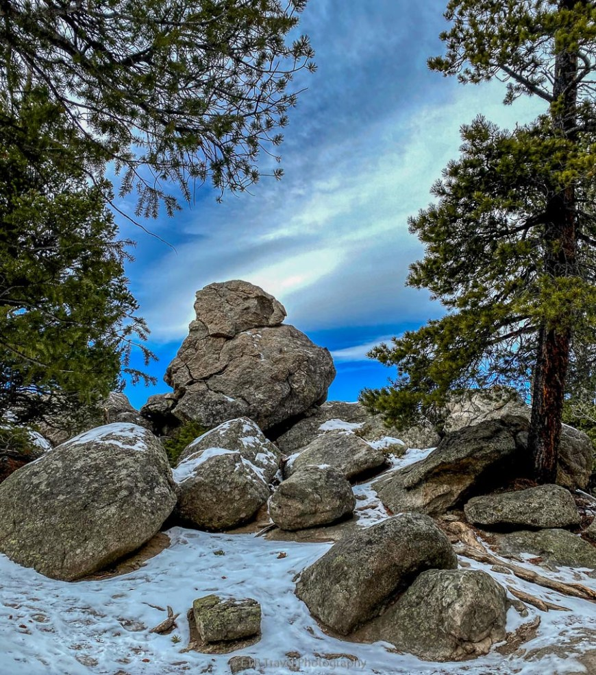 rock outcropping on Mule Deer Trail