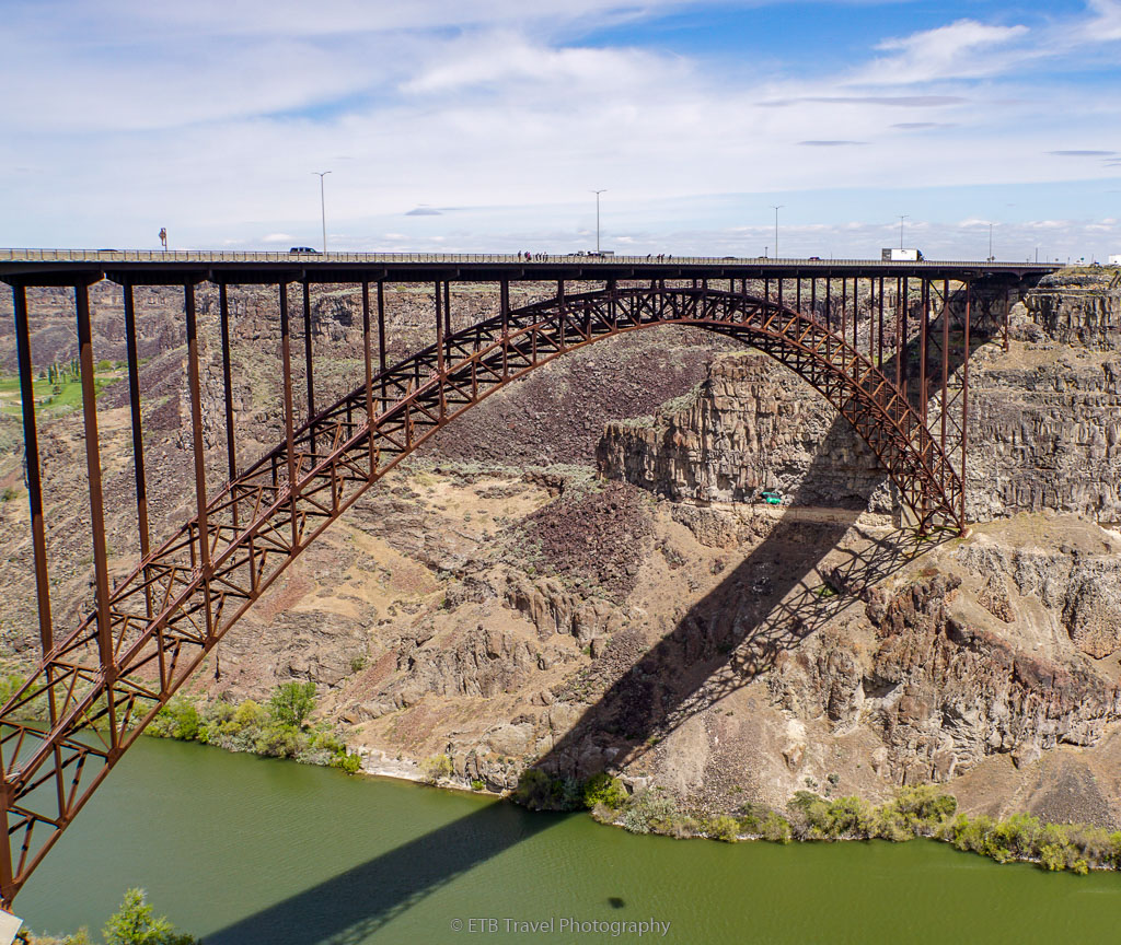 base jumper at Twin Falls Bridge