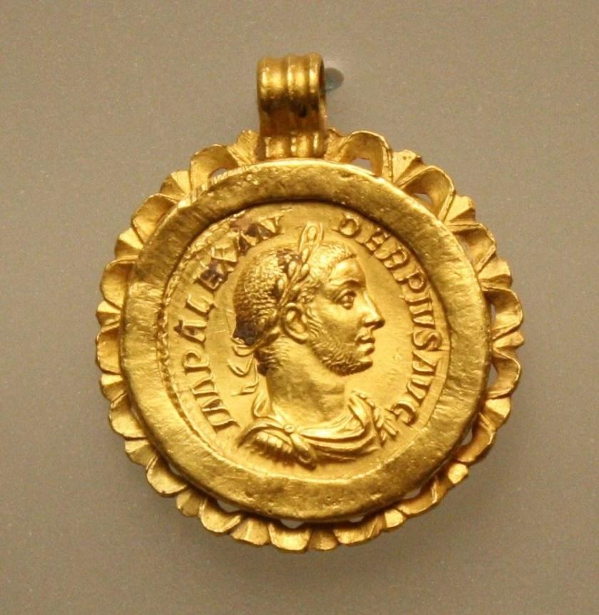 Roman gold pendant depicting emperor Severus Alexander (222-235 CE). Palazzo Massimo, Rome.