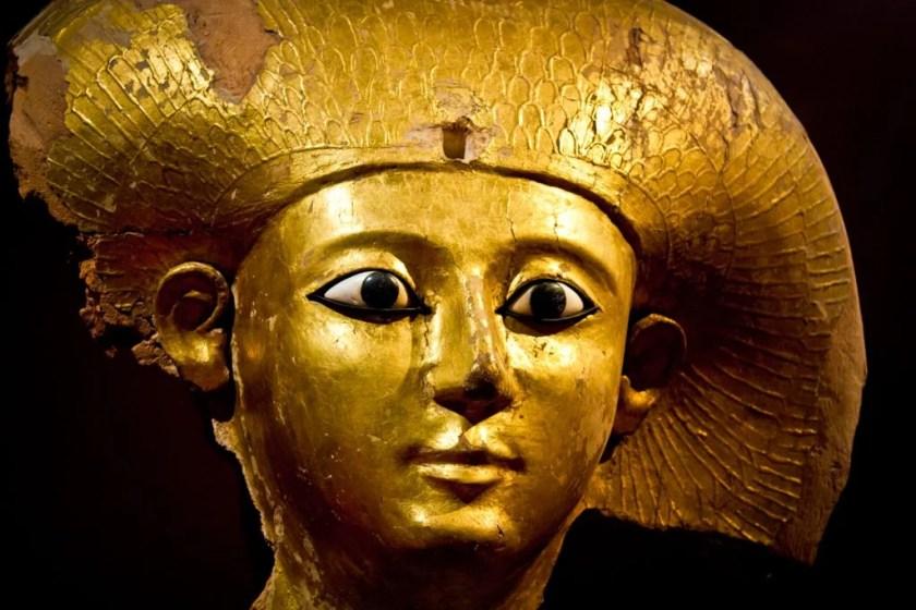 Coffin mask of queen consort of king Djehuti (around 1650 BC). Staatliches Museum Ägyptischer Kunst (State Museum of Egyptian Art) in Munich.