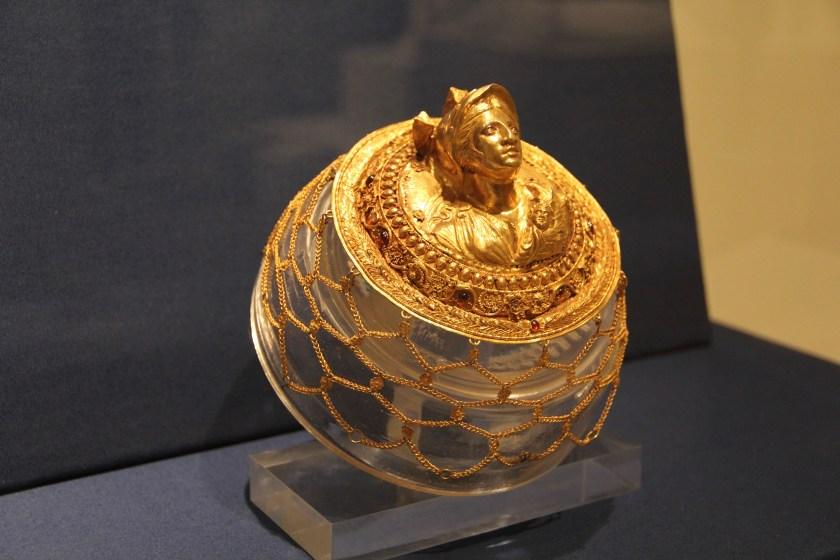 Image © Caroline Cervera. Hellenistic jewelry.