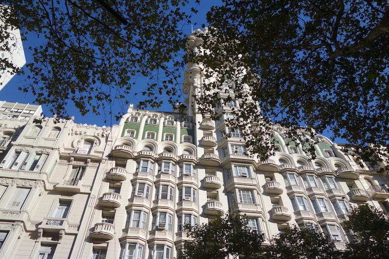 L'immeuble Dantes, construit selon la Divine Comédie.