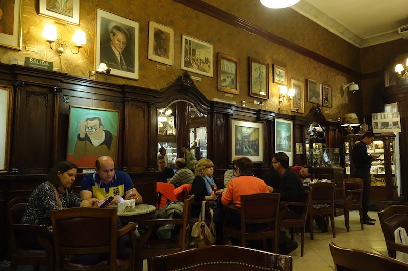 Le café Tortoni est le doyen des cafés sympas de la capitale