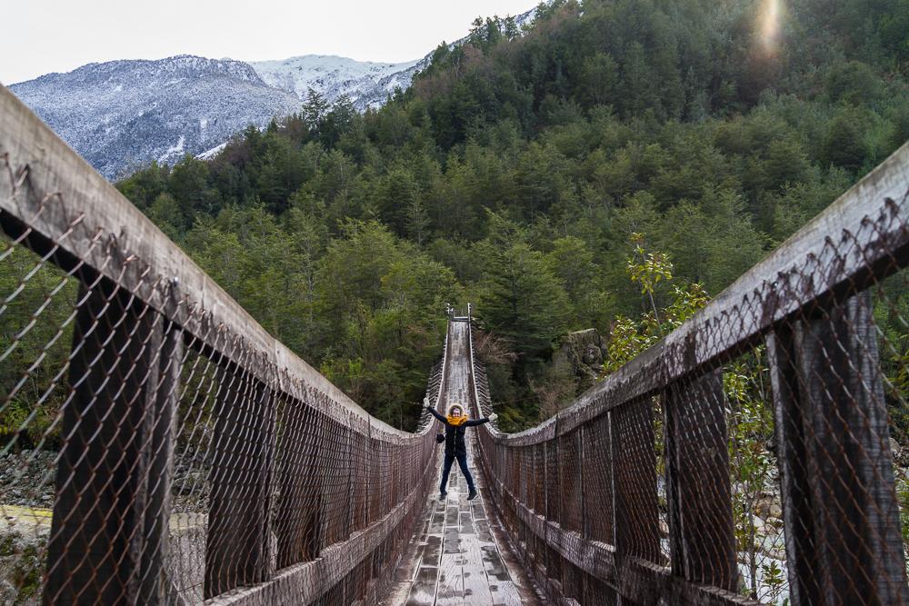 Caroline fait l'andouillette sur le pont.