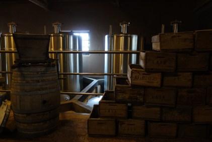 D'anciennes barriques d'huile d'olive.