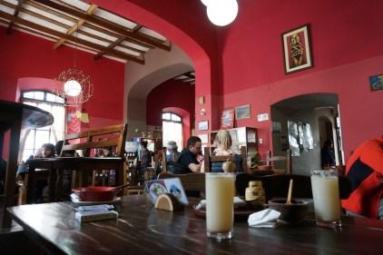 Soupe et jeu de carte au Cafe Condor.