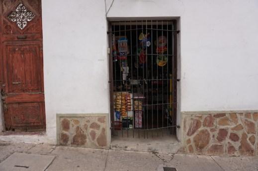 Une grande-petite épicerie de rue.