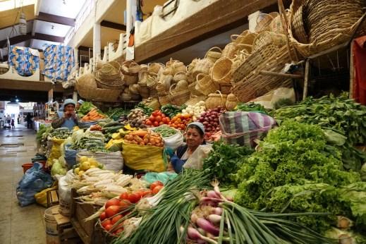 Notre vendeuse du marché central de Sucre.