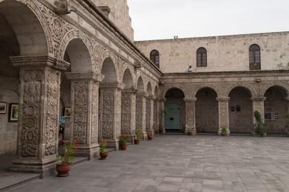 Dans le patio du couvent Santa Catalina.