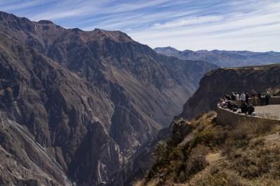 Le grand canyon de Colca vu du haut.