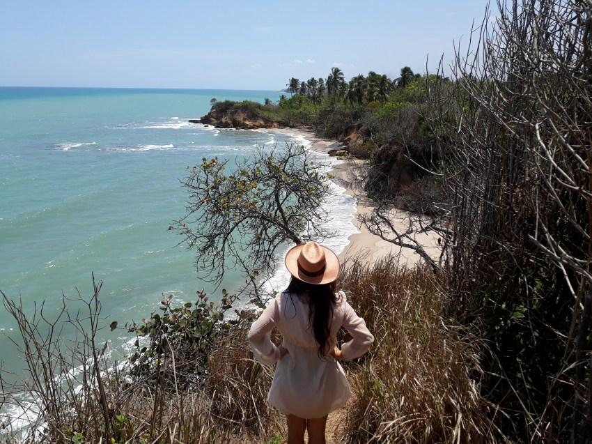 Caroline devant l'une des plages désertes de Palomino.