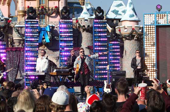 OneRepublic performing at Disney's 2012 Christmas Parade