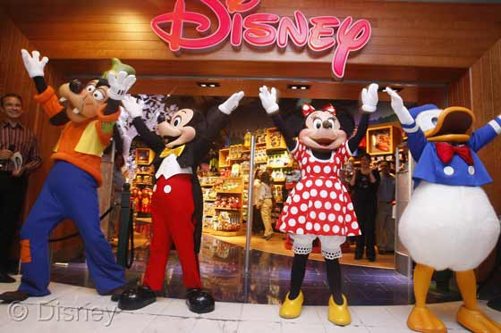 Mickey, Minnie and pals open Glendale Store