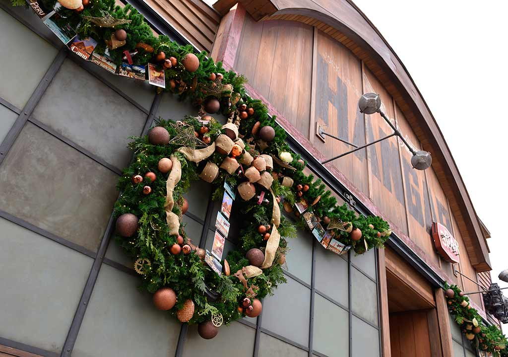 Christmas wreath decoration at Disney Springs