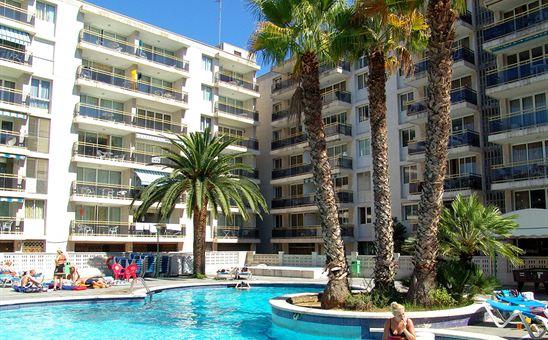 Ons appartementenhotel in Salou. We hebben via GoGo geboekt, ik ben benieuwd!